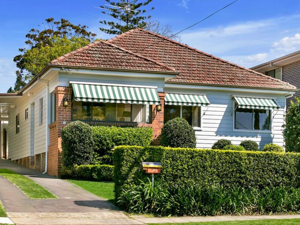 33 Gloucester Rd, Epping. NSW real estate.