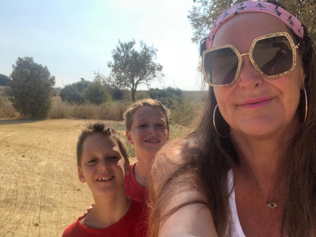Kate Langbroek is currently travelling around Italy with her children and husband.