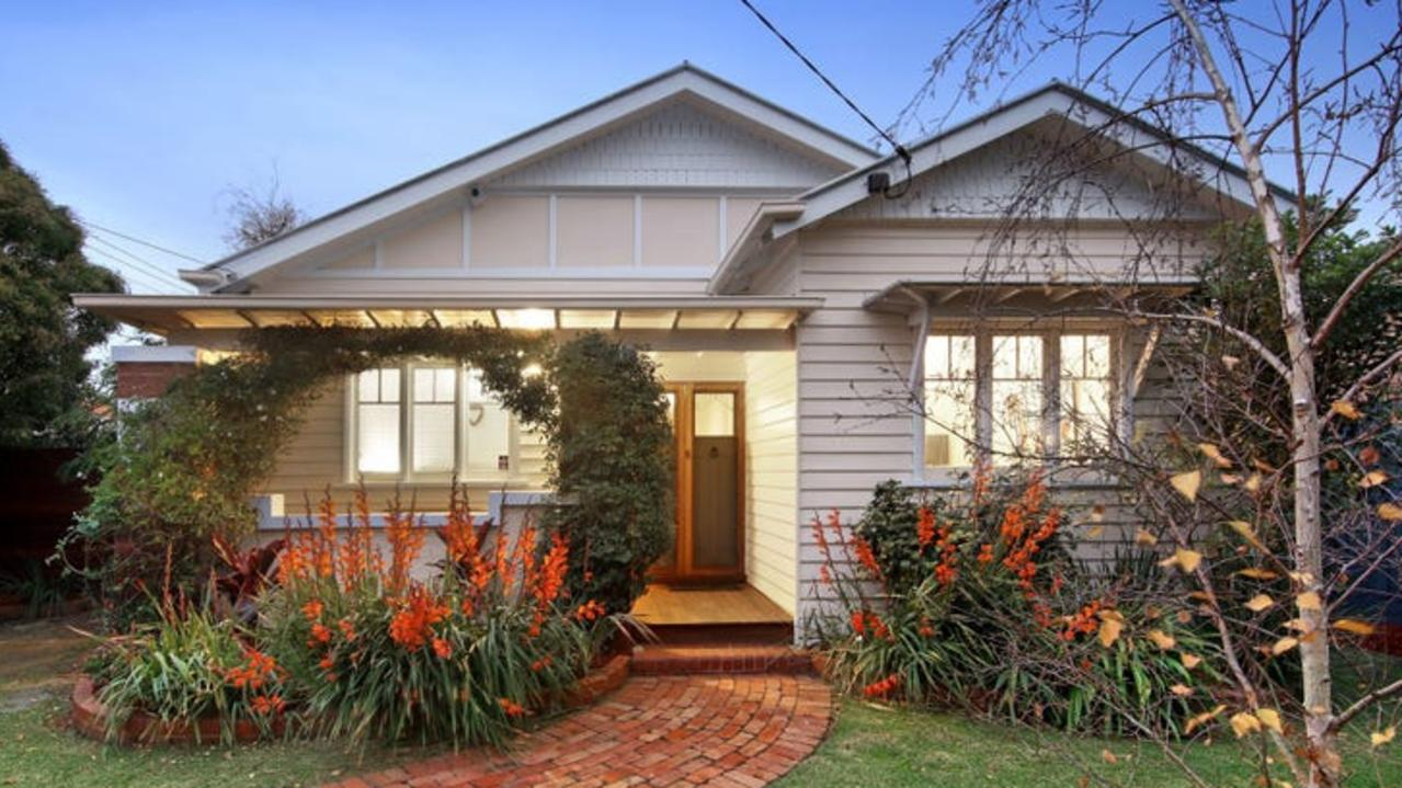 34 Latrobe St, Mentone, was also snapped up for $1.9m.