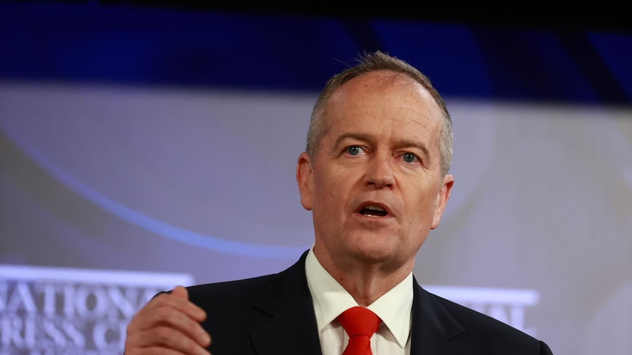 Bill Shorten says Scott Morrison is 'missing in action' and leaving states to fend for themselves. Picture: NCA NewsWire / Gary Ramage