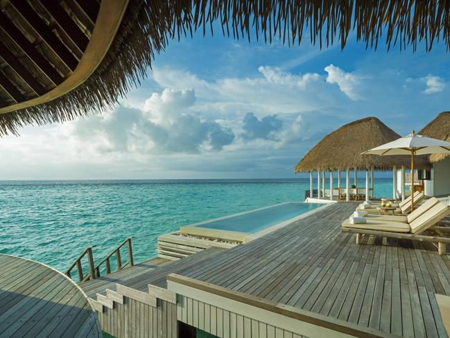 14/20Como Maalifishu The first and only resort to open on the unspoilt Thaa Atoll in the archipelago's southern reaches, COMO Maalifushi's spacious water suites and villas pair killer views of white beach, tropical greenery and cobalt lagoon with minimalist luxury. Sunken baths, outdoor showers, infinity pools and private butlers all come as standard.