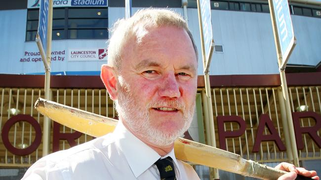 Launceston Mayor Albert van Zetten wants to host Hobart Hurricanes Big Bash games at Aurora Stadium and eventually have its own team in the north.