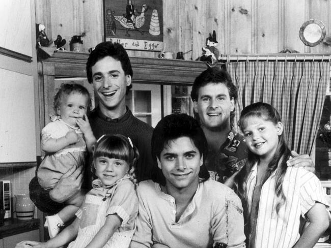 Ashley (or Mary Kate) Olsen with Bob Saget, David Cooulier, Candace Cameron, John Stamos