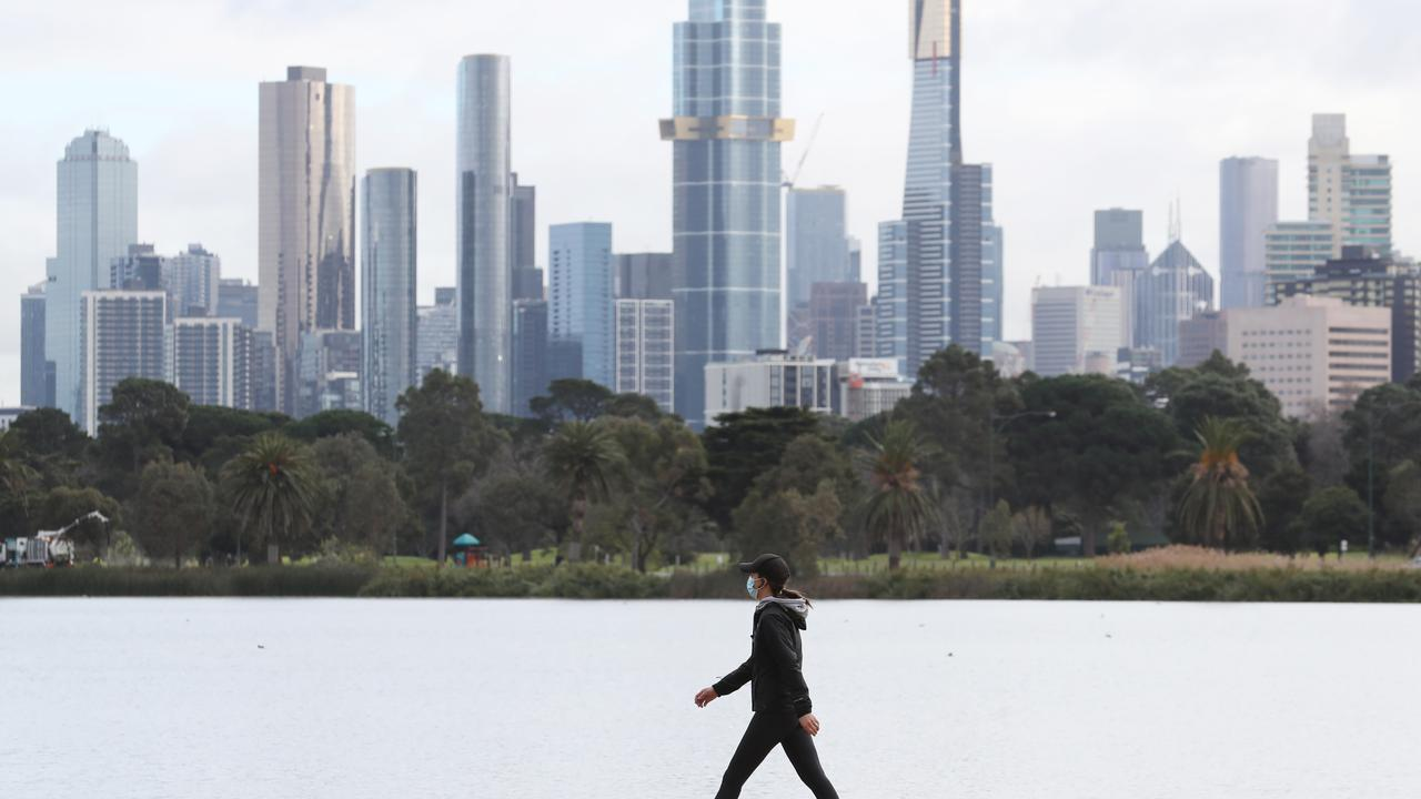 Port Phillip near Albert Park has emerged as an area of virus concern in Melbourne. Picture: NCA NewsWire / David Crosling