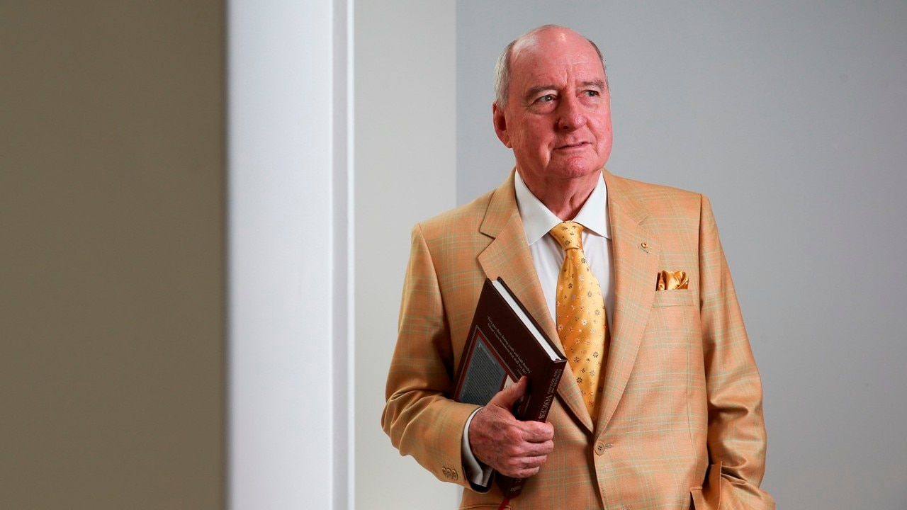 Alan Jones apologises over Ardern comments
