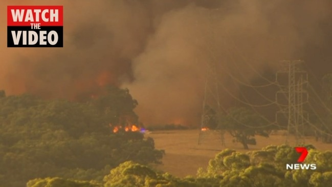 Rain over Cherry Gardens fireground (7 News)