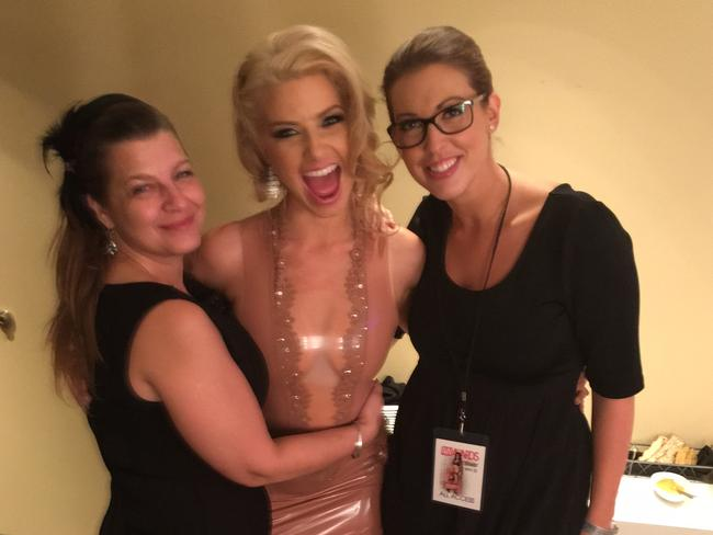 Anikka Albrite backstage at the AVN Awards with her Mum and sexologist Dr Nikki Goldstein.