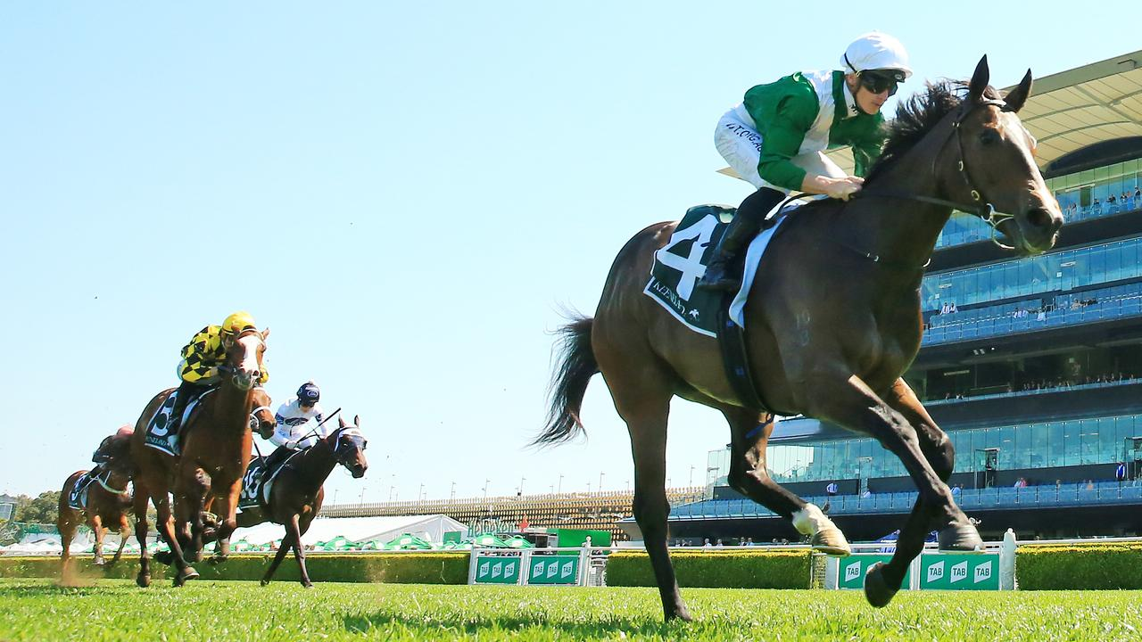 Mallory (yellow) chasing home Enthaar at Randwick. Picture: Mark Evans/Getty Images