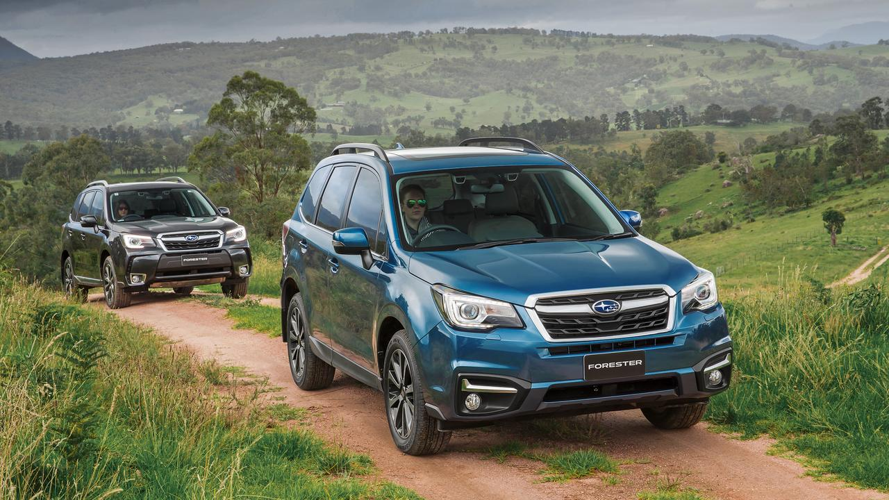 Subaru Forester 2.5i-S (front) with Forester XT 2.0 Premium.