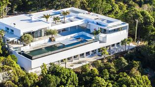 EXCLUSIVE THE HEMSWORTH FAMILY HOME IN BYRON BAY