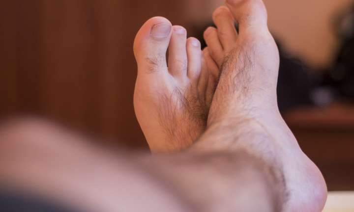 Hairy man foots