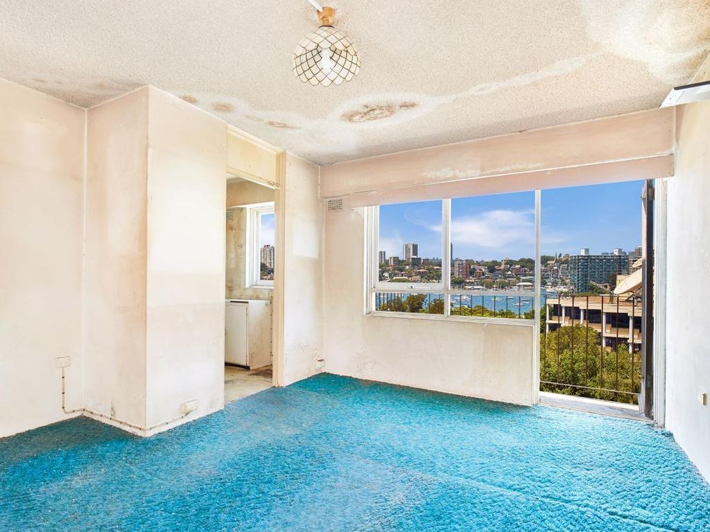 49/8 Wylde St, Potts Point, sold for $540,000