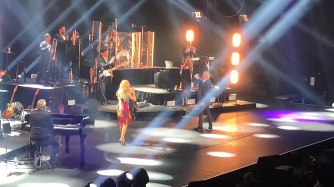 Celine Dion's Melbourne duet with John Farnham