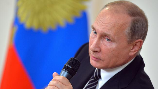 Russian President Vladimir Putin has told journalists in the Russian press corps that they are possibly being watched by American intelligence agencies.