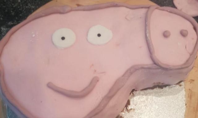 Peppa Pig birthday cake accidentally turns X-rated