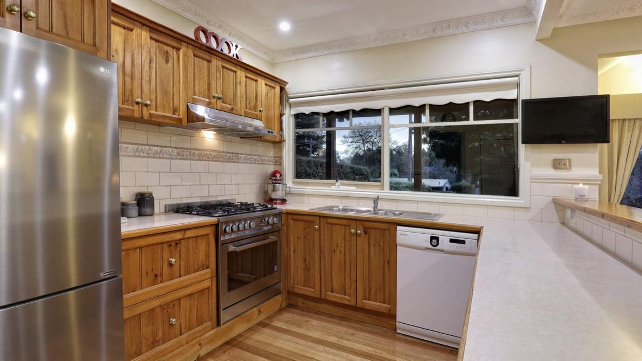 A timber kitchen to cook up a storm.