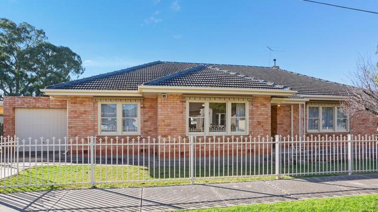 36 Willow Ave, Manningham.