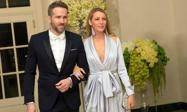 Ryan Reynolds proves he's possibly the most romantic hubby in Hollywood