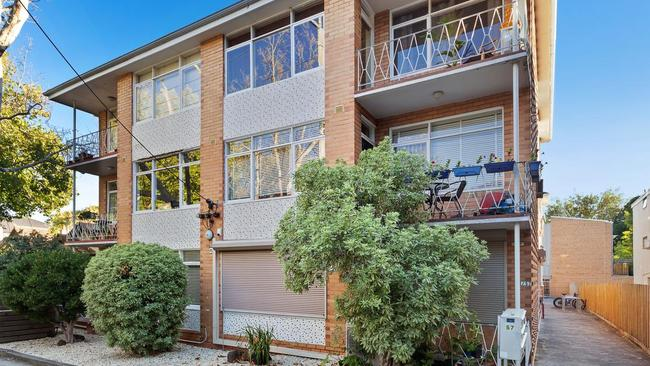Auction results were also strong at 4/57 Mitford St, Elwood.