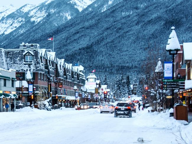 TAKE A SNOW DAY The SnowDays fun continues in downtown Banff where the town is transformed with massive snow sculptures and outdoor activities for the young and young at heart. With snowflakes falling and everyone laughing, you can't help but hear Frank Sinatra's Let it snow in your head as you skip down Banff Avenue and marvel at the incredible mountains. There's lots on offer during the 12-day SnowDays festival, try ice skating, snow slides, or head to Bear Street to experience TRIBUTE's Craft Spirit Celebration.