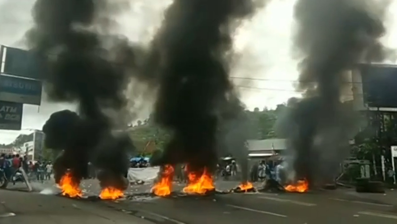 Local parliament torched in Indonesia