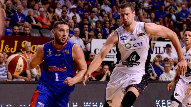 Adam Gibson in action for the 36ers.