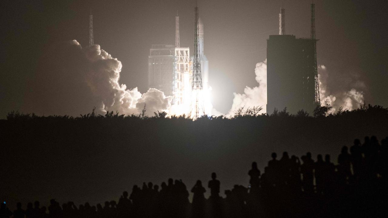 A Long March 5 rocket carrying China's Chang'e-5 lunar probe launches from the Wenchang Space Center on China's southern Hainan Island on November 24, 2020. Picture: STR/AFP