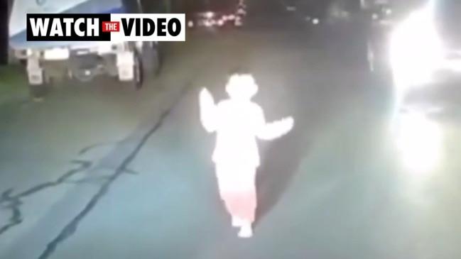 Driver saves boy, 3, on dark road (9 News)