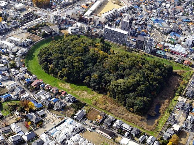 MOZU-FURUICHI KOFUN GROUP: MOUNDED TOMBS OF ANCIENT JAPAN On a plateau above the Osaka Plain, this property includes 49 burial mounds which date back to the 6th century BC. Picture: Sakai City Government