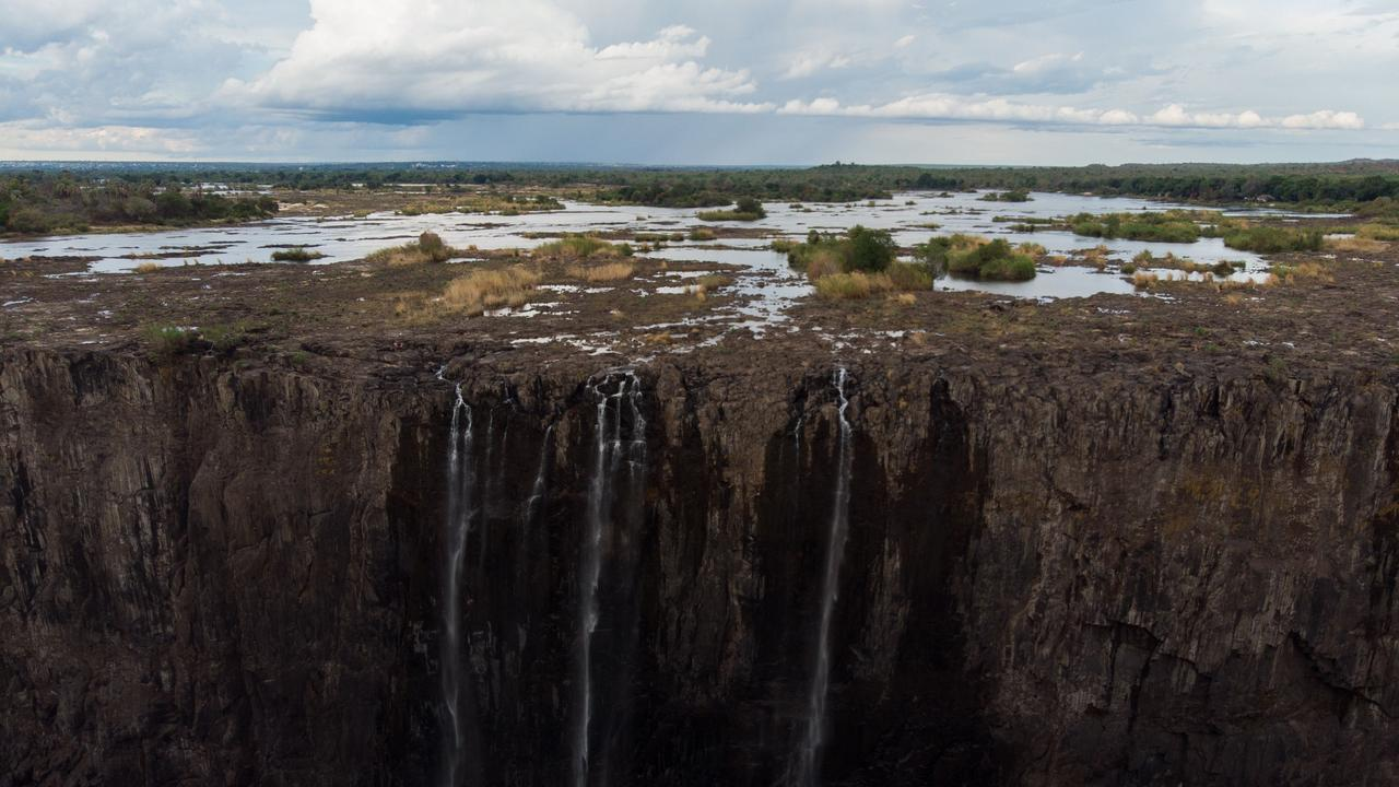 This is how the falls looked on December 10, 2019. Barely a trickle managing to get over the lip of the canyon. Photo: Zinyange Auntony/AFP