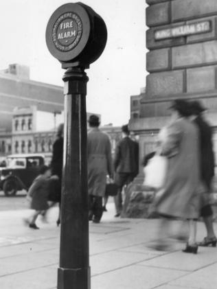 The new 'talkie' fire alarm outside the GPO, Adelaide, 1946.
