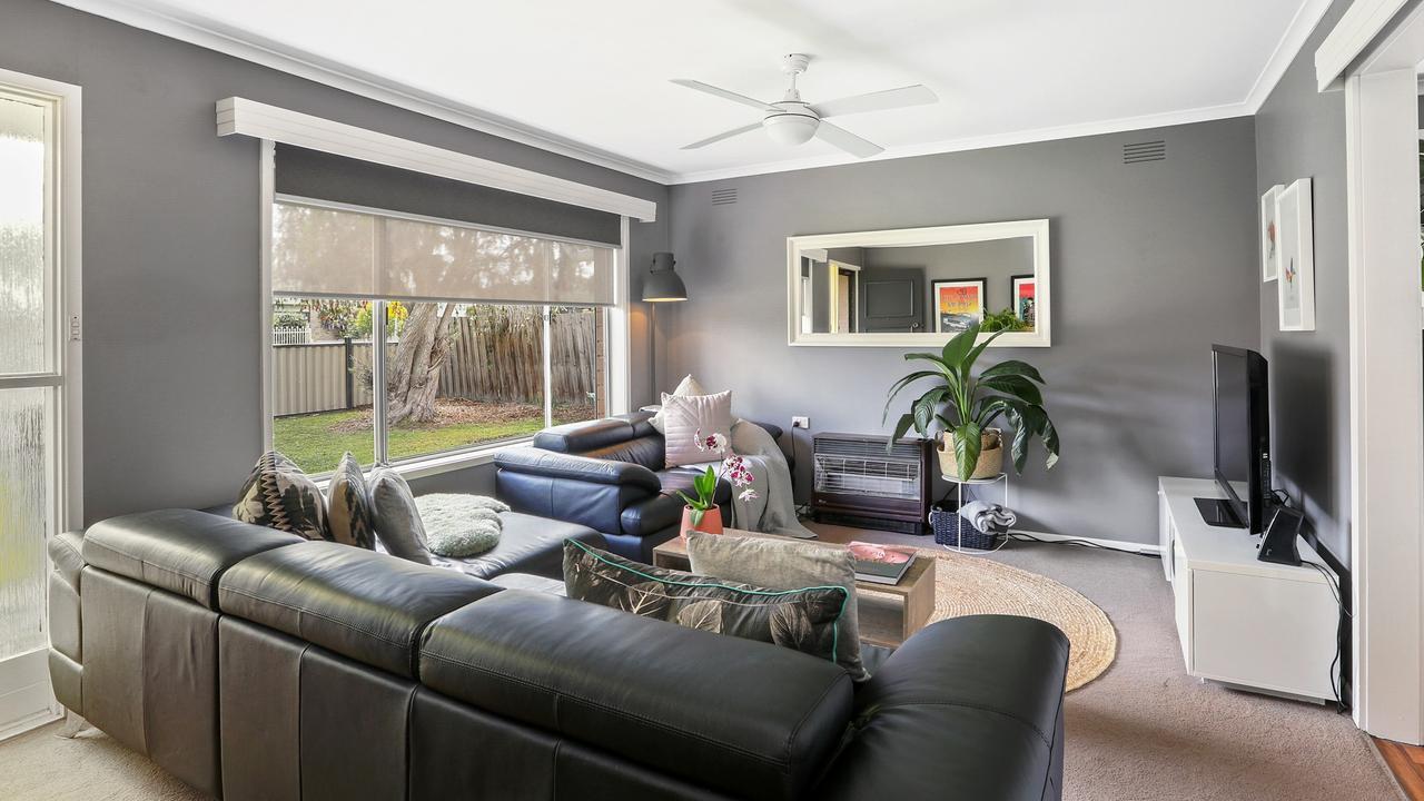 "<a href=""https://www.realestate.com.au/property-house-vic-corio-129568334"">6 Washington St, Corio</a>"