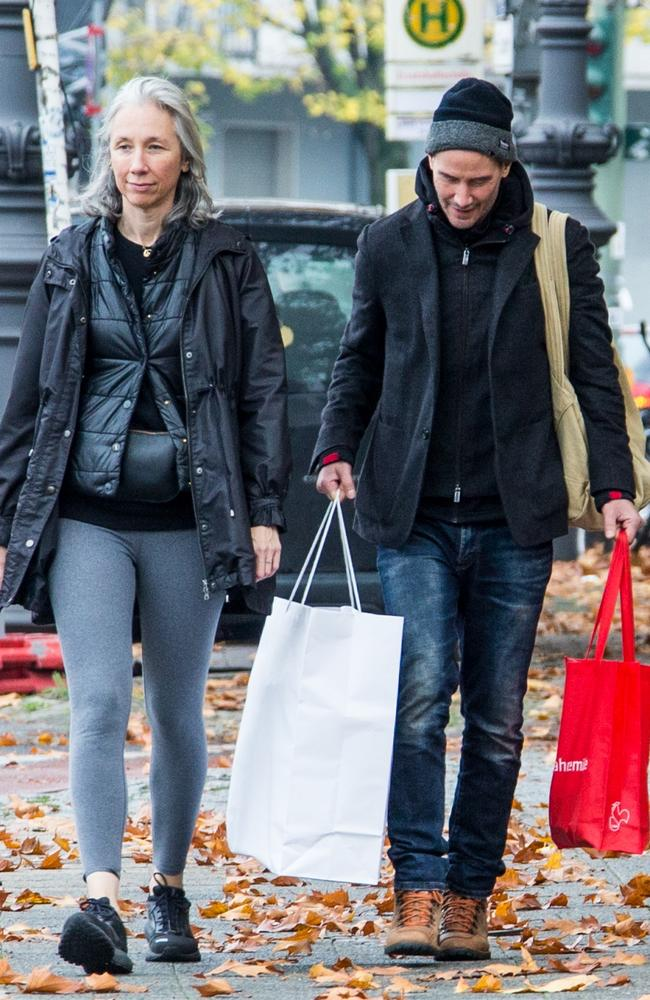 The couple have the normcore look down pat. Picture: Splash News/Media Mode