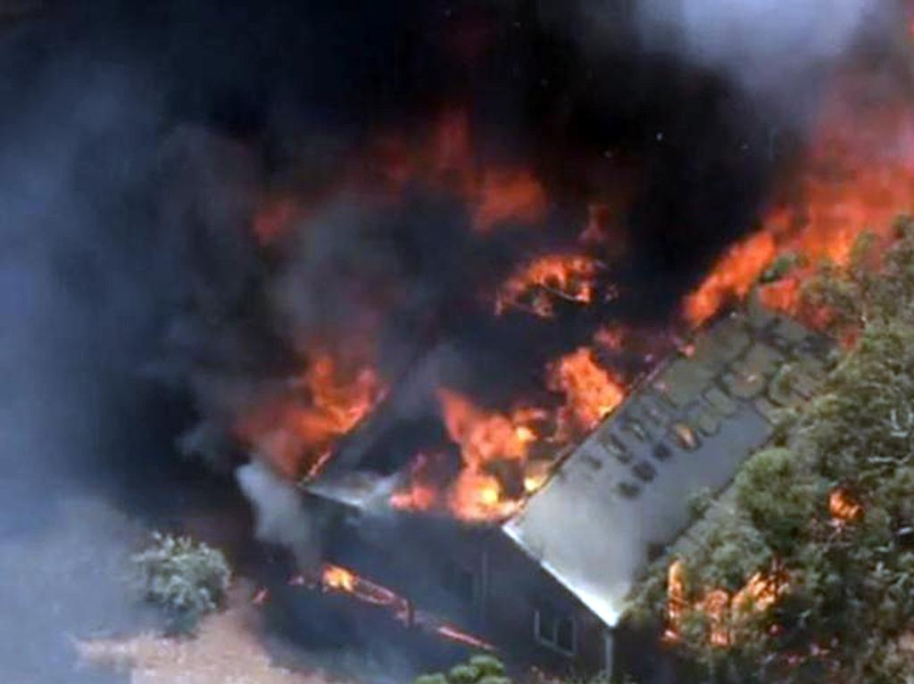 At least 71 homes have now been destroyed by bushfire in the Perth Hills region. Picture: 7 News,