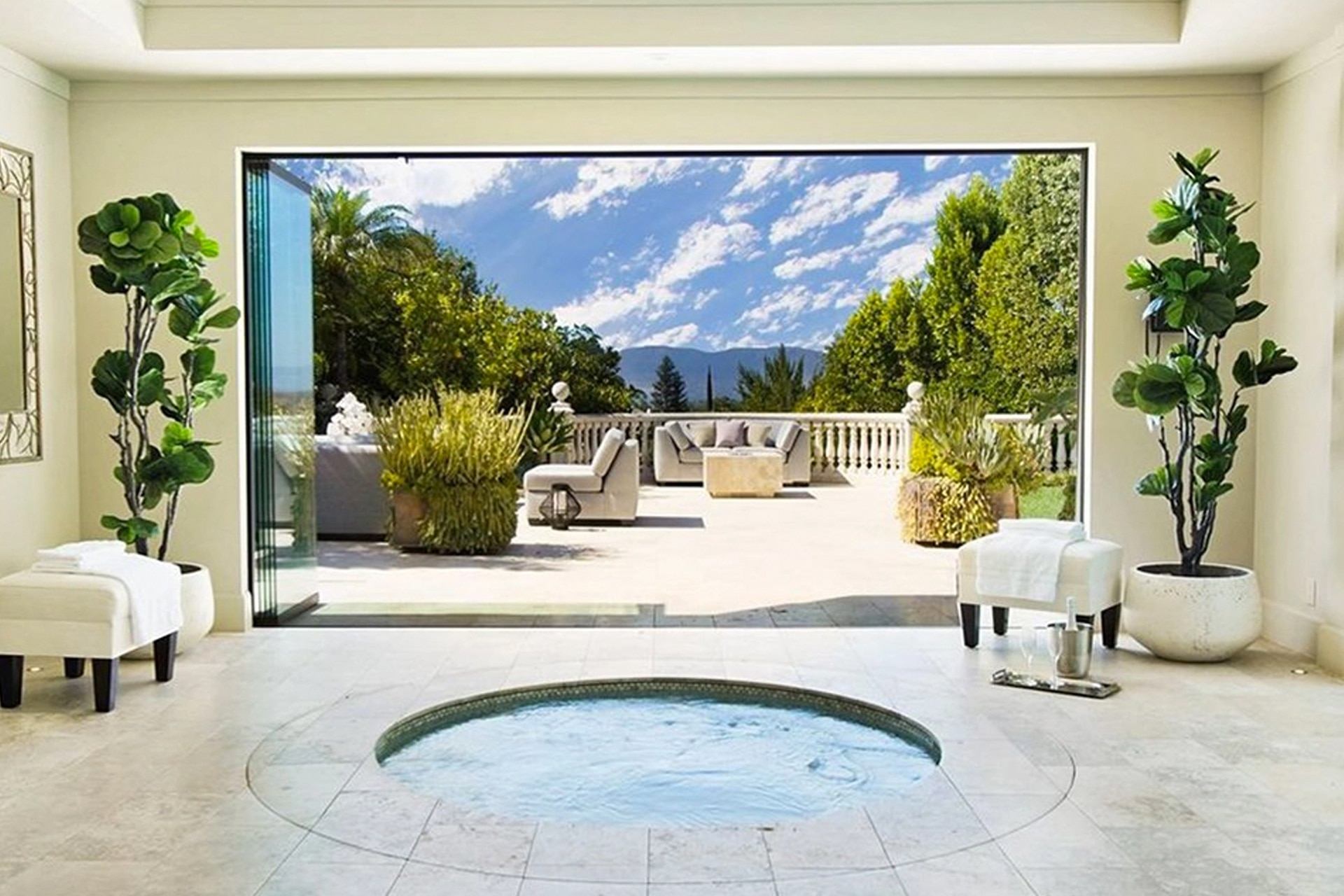 Dr. Dre Just Sold His LA Mansion For $6.6M And You're Going To Want To Take A Look.