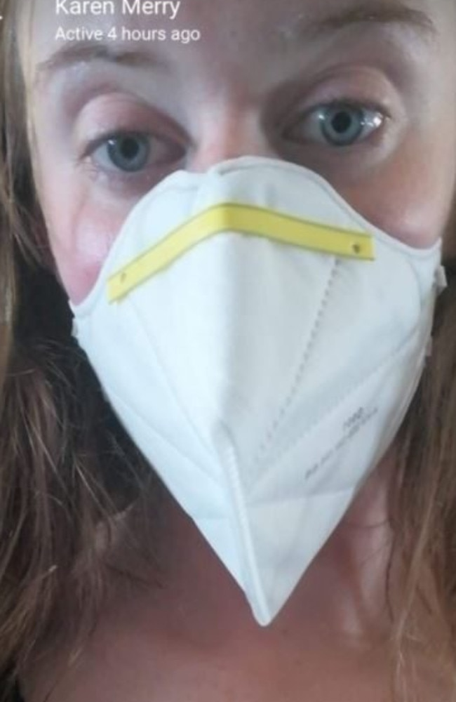 Laura was told to wear a mask during her flight