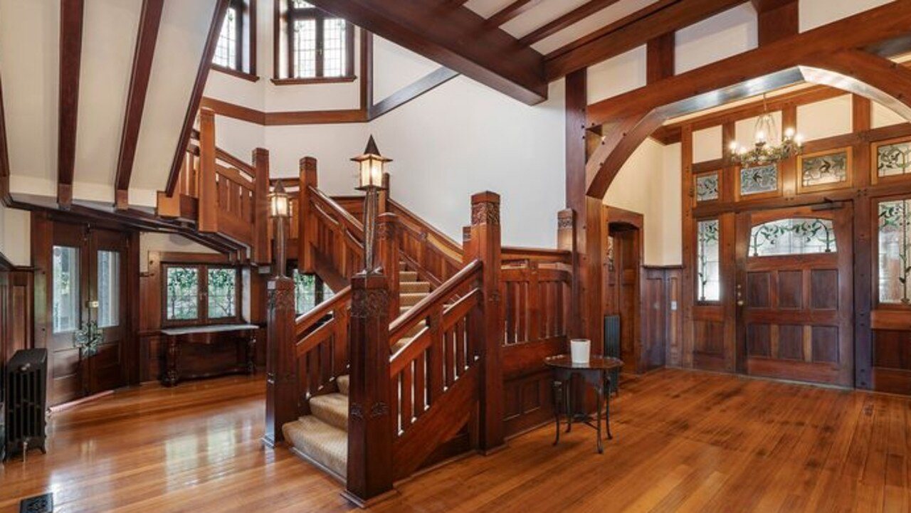 A grand old entrance foyer.