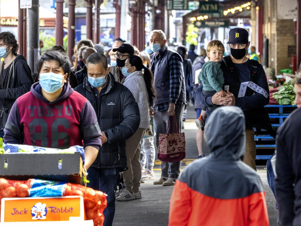 MELBOURNE, AUSTRALIA - NewsWire Photos OCTOBER 24, 2021: Crowds at Queen Victoria Market during Melbourne's first weekend out of Covid lockdown. Picture: NCA NewsWire / David Geraghty