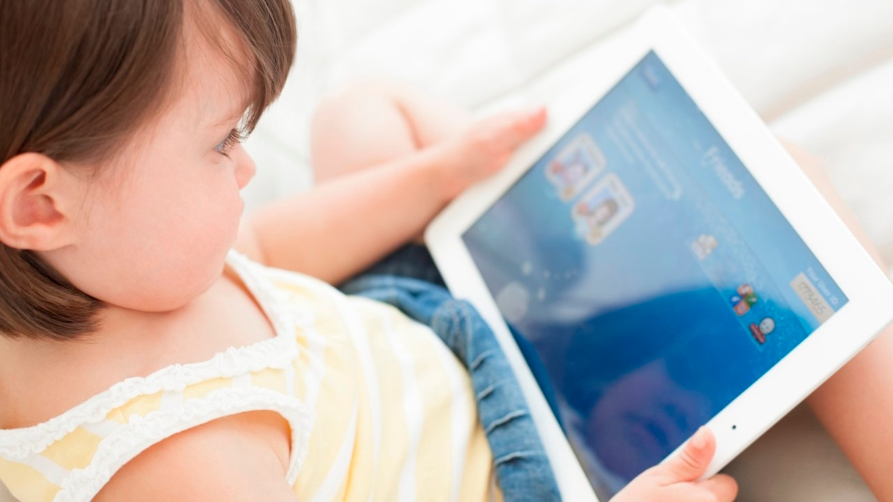World Health Organisation issues strict guidelines for children screen time