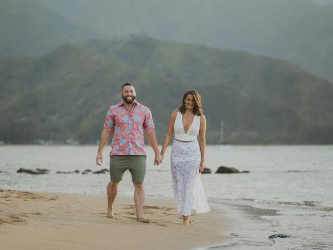 Nick proposed to Michelle during their third anniversary in Hawaii.