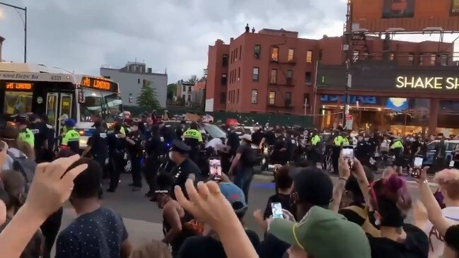 Brooklyn Bus Driver Refuses to Help Police Transport Arrested Protesters