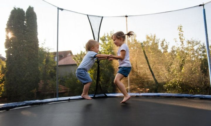 Expert's warning for kids under six using trampolines