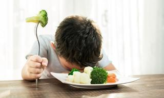 Tricks a nutritionist uses to get her kids to eat veggies