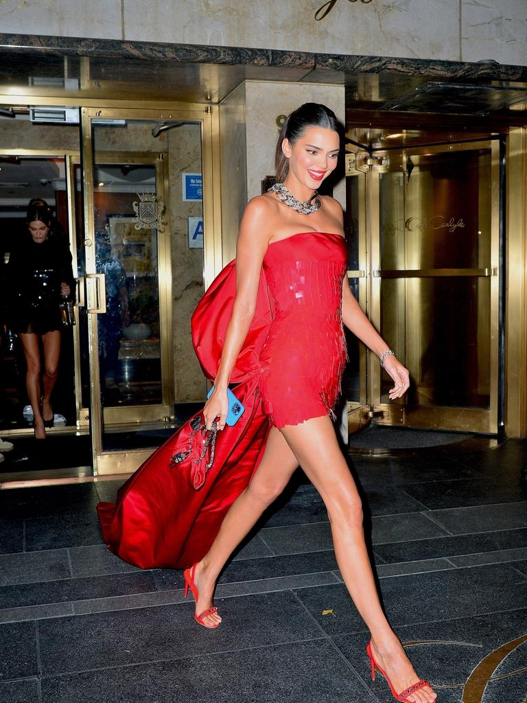 She rocked this red dress. Picture: PapCulture/Backgrid