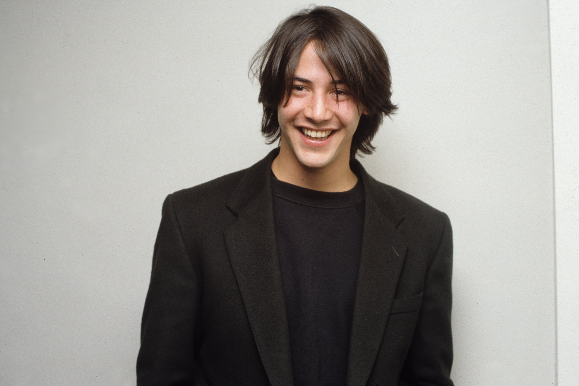 16 vintage photos that prove Keanu Reeves is the original hipster