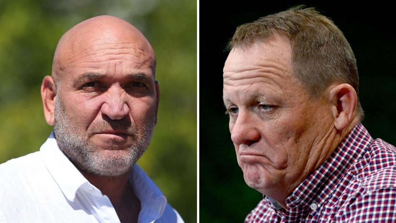 Broncos legend Gorden Tallis has threatened to name players who have been privately criticising their coach Kevin Walters.