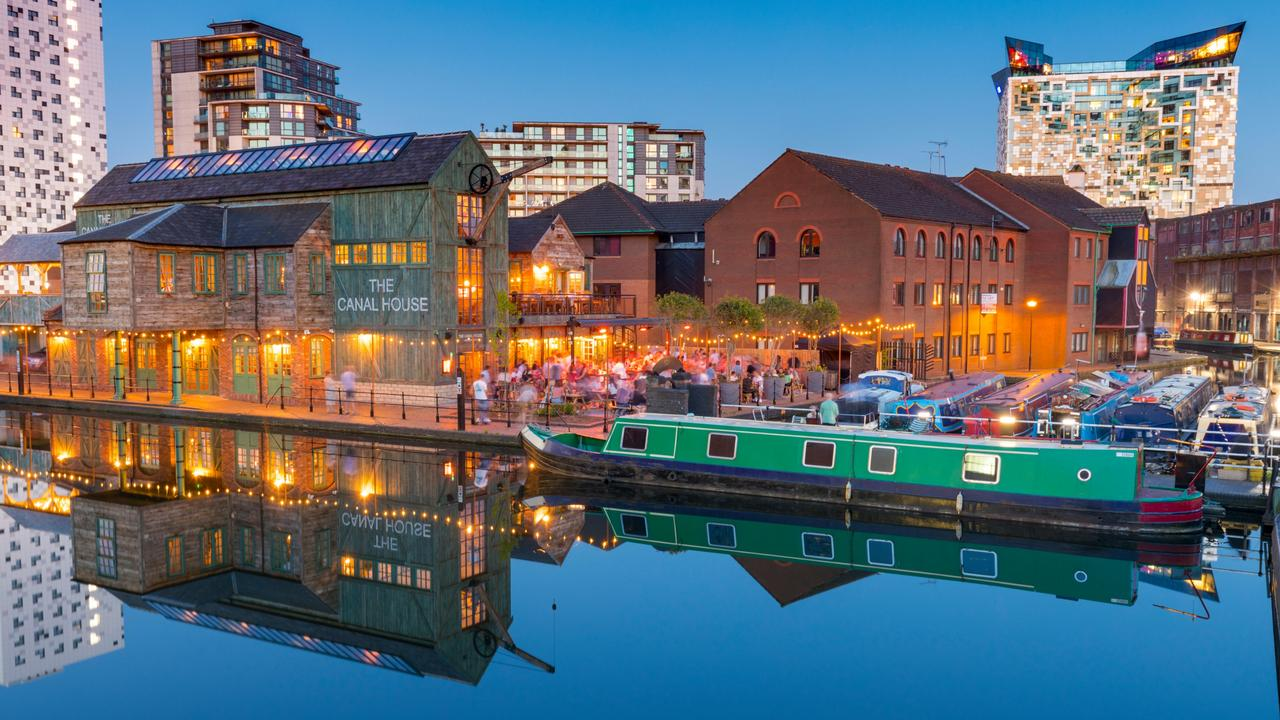 City buzz at the Gas Street Basin in Birmingham. Picture: Alamy