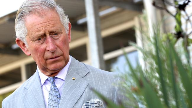 PERTH, AUSTRALIA - NOVEMBER 15: Prince Charles, Prince of Wales visits the Biodiversity Conservation Centre, meeting with students undertaking post-graduate studies on November 15, 2015 in Perth, Australia. The Royal couple are on a 12-day tour visiting seven regions in New Zealand and three states and one territory in Australia. (Photo by Richard Wainwright - Pool /Getty Images)