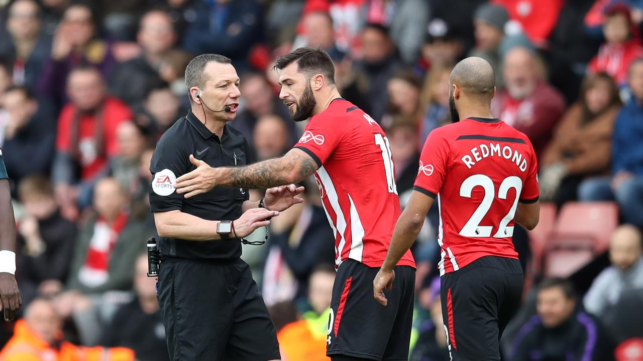 Premier League teams will show VAR replays in the stadiums