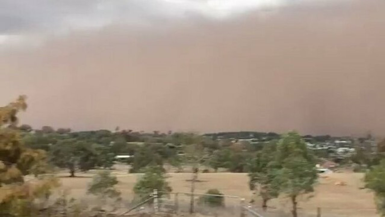 'Goodbye Fair World': Dust Storm Blankets Towns Across Central West New South Wales